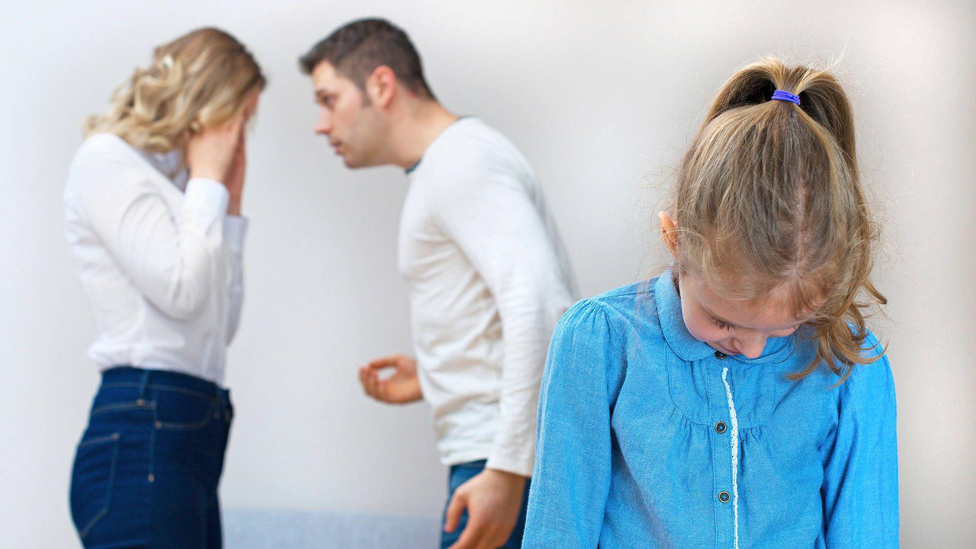 Детство снеидеальными родителями: 6типов семейных отношений, которые нас травмируют