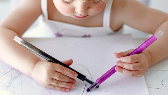 Леворукий ребенок: переучивать ли ребенка левшу, особенности развития