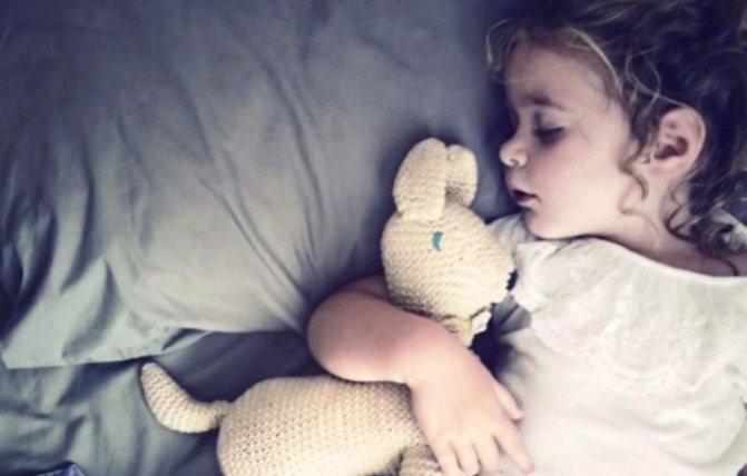 Как отучить ребенка писать в кровать ночью в 2, 3, 4 года, в 5, 6 лет народными методами?