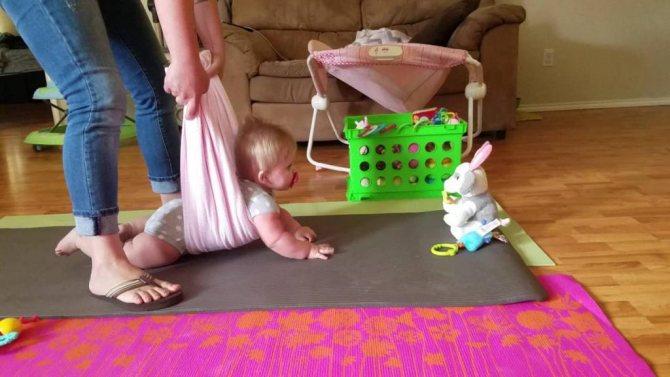 Как научить ребенка стоять без опоры: упражнения, массаж и советы