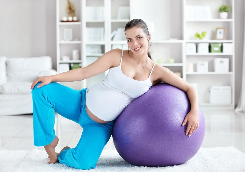 Какие занятия для беременных во 2 и 3 триместрах сохранят фигуру и облегчат роды?
