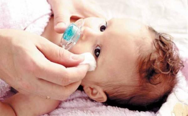 Уход за кожей новорожденного. уход за кожей лица, уход за пупочной ранкой, шелушение кожи новорожденного, подмывания ребенка и уход за областью промежности, купание новорожденного, массаж для новорожденных.