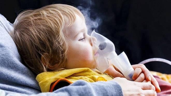 Ингаляция при температуре детям: делать или нет?