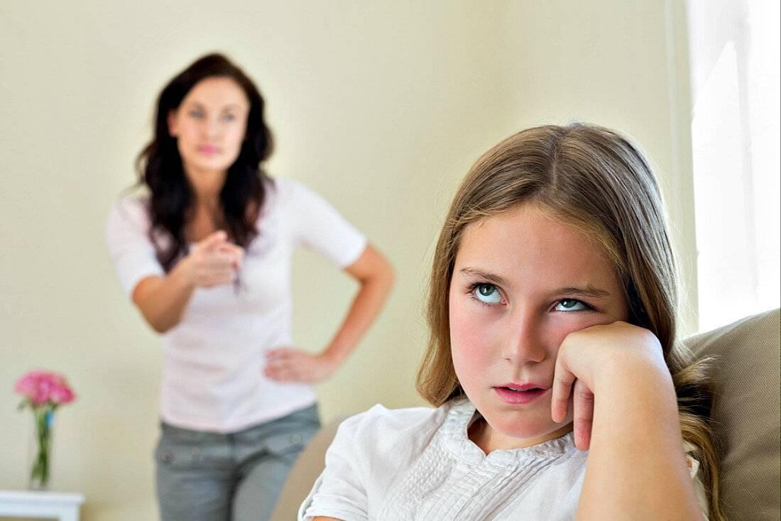 Ребенок хамит родителям: как себя вести? причины хамства
