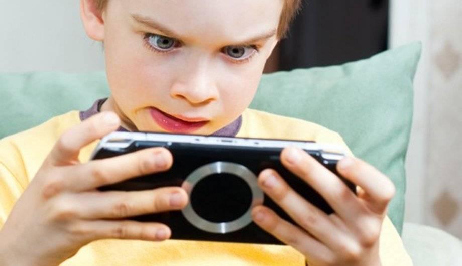 Влияние смартфонов на детей: можно ли детям пользоваться гаджетами