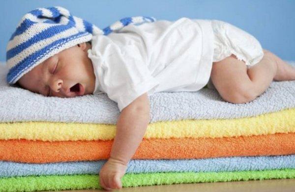 Белый шум для новорожденных: что это, польза и вред, влияние на сон
