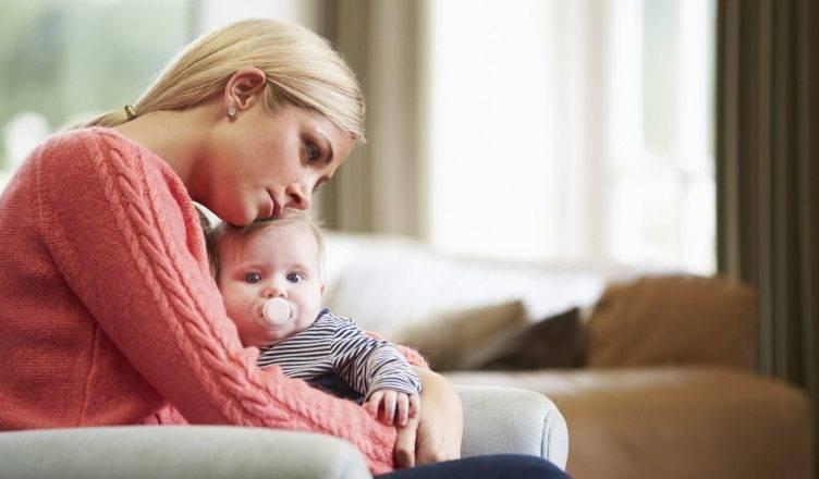 Послеродовая депрессия: симптомы и признаки — как справиться с депрессией после родов