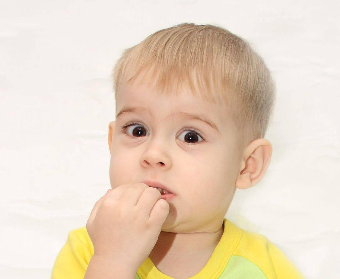 Испуг у ребенка: причины, 6 ведущих симптомов, 5 способов лечения
