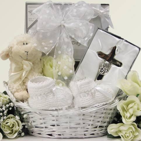 Что дарят на крестины девочке: крестные, родственники и остальные гости | праздник для всех