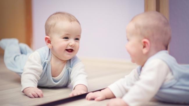 До скольки месяцев нельзя показывать ребенка. когда можно показывать ребенка после рождения
