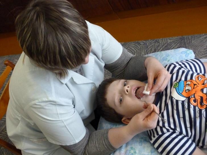 Логопедический массаж для детей в домашних условиях: как сделать массаж языка, видео