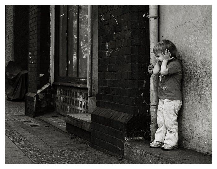 Не бросайте ребенка плакать в одиночестве