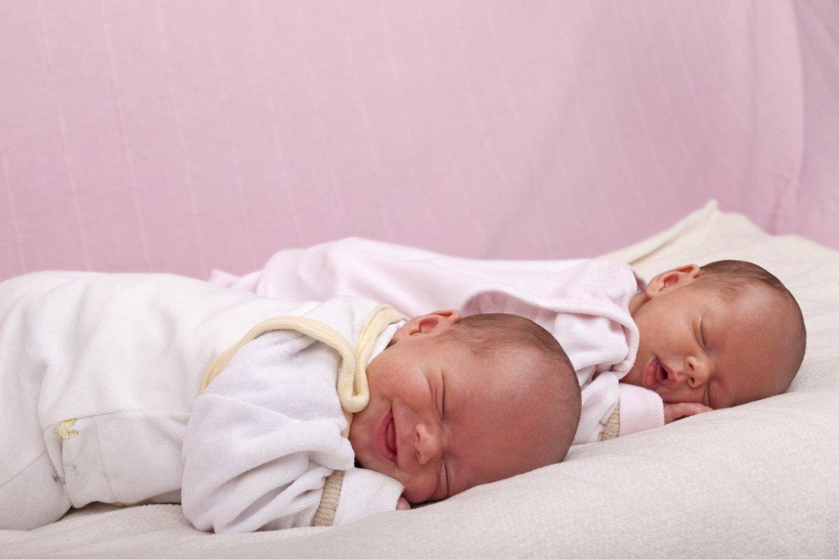 Как купать новорожденного ребенка первый раз дома   уроки для мам