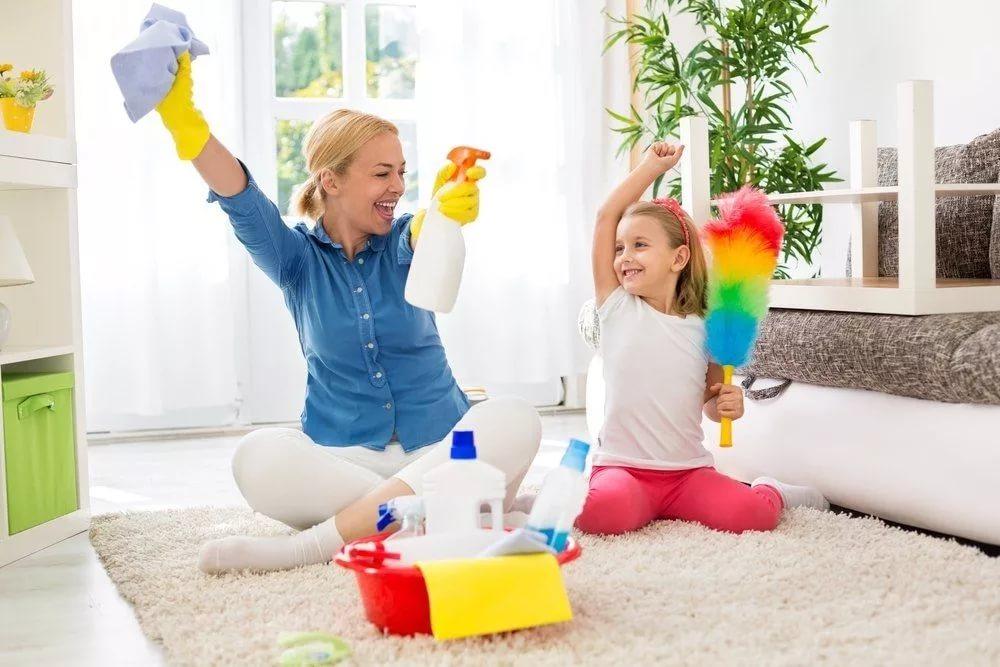 Домашние дела, которые можно доверить двухлетнему ребенку