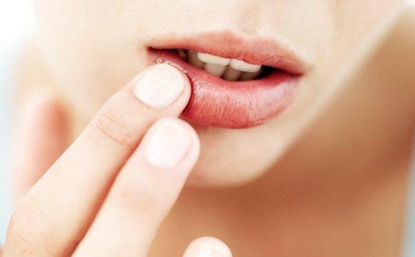 Кислый привкус во рту при беременности – рассмотрим по полочкам
