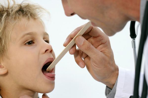 Лечение ларингита у детей в домашних условиях, насколько опасен ларингит