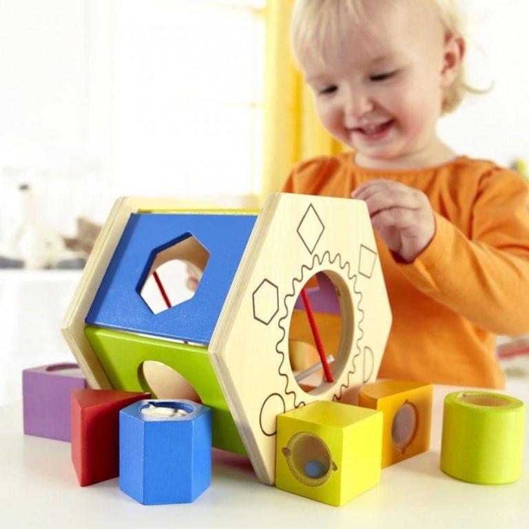 Развивающие игрушки для детей от 0 до 1 года своими руками