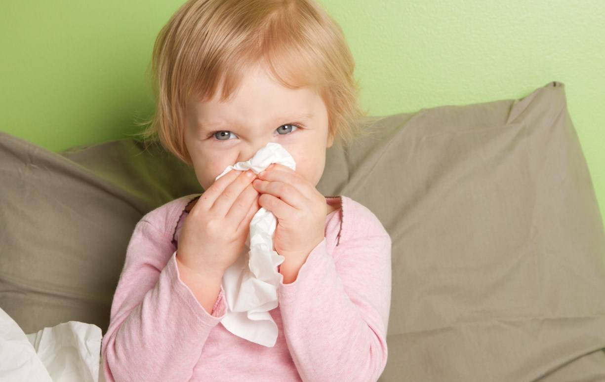 Чем разрешено лечить у грудничка влажный и непродуктивный кашель без температуры