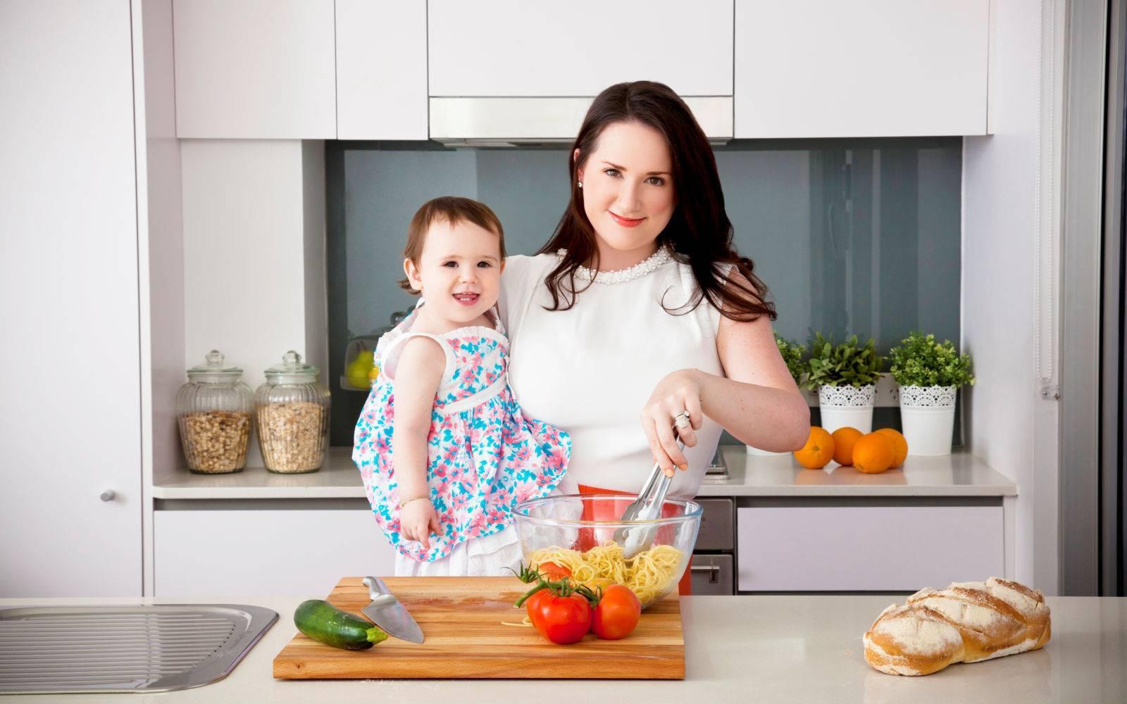 Какие фрукты можно есть кормящей маме? рацион женщины в первый месяц грудного вскармливания новорожденного, ограничения при кормлении грудью