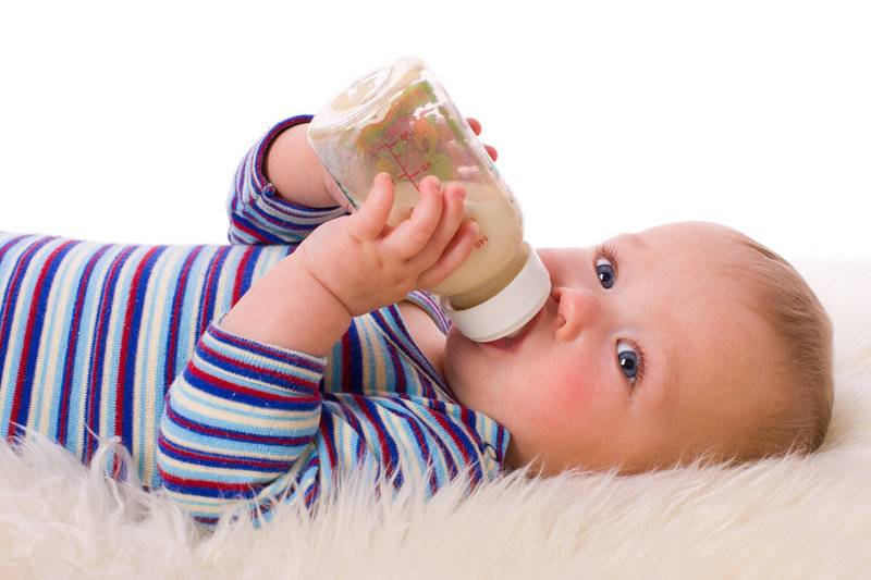 Как приучить ребенка к грудному вскармливанию | уроки для мам