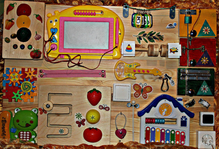 Бизиборд своими руками: 9 идей для мальчика или девочки, пошаговая инструкция (фото)
