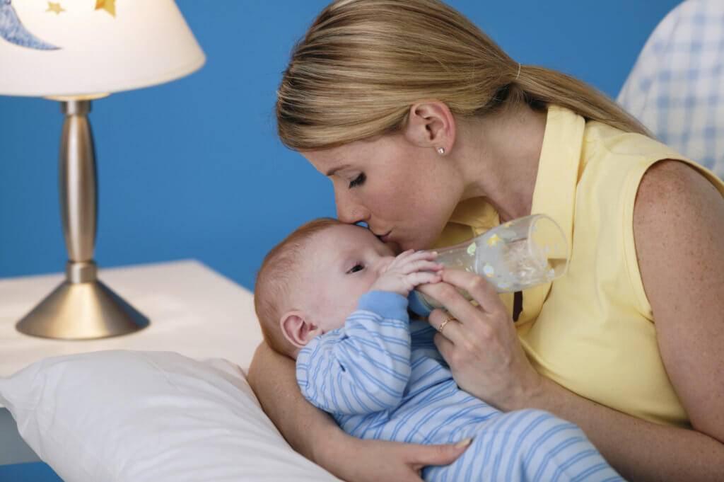 Простуда при грудном вскармливании: как и чем можно лечить, лекарства и последствия