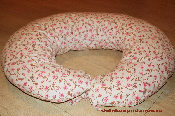Что такое подушка для кормления и как её использовать