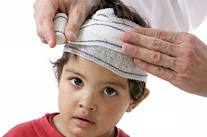 Ребенок ударился затылком: опасность последствий травмы головы