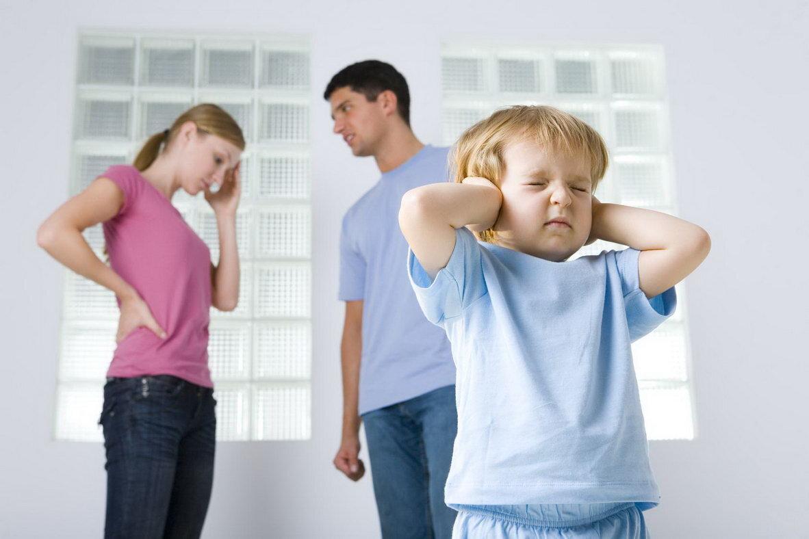 Конфликты между детьми в семье: что делать родителям