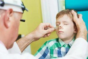 При простуде у ребенка гноятся глаза