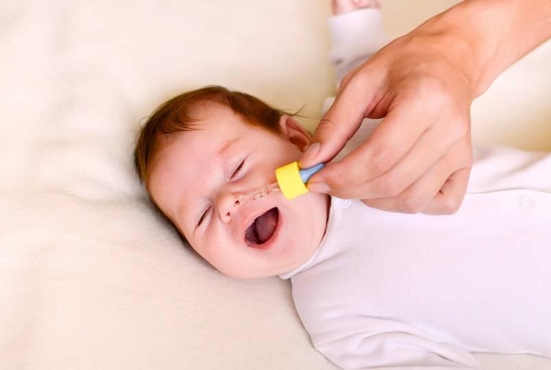Комаровский можно ли купать ребенка при насморке без температуры комаровский