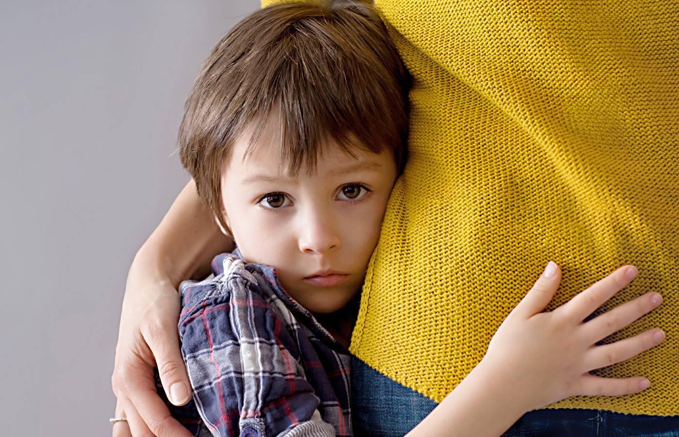 Замкнутый ребенок: советы психолога, стеснительный и необщительный ребенок, не разговаривает в садике, занятия и игры