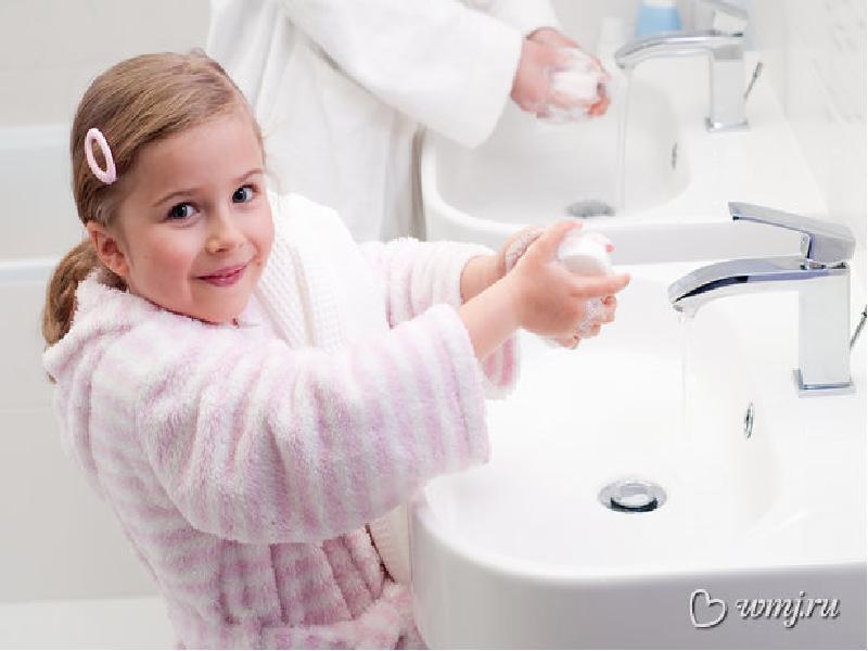 Правила гигиены: какие привычки прививают детям родители и почему они не всегда правы