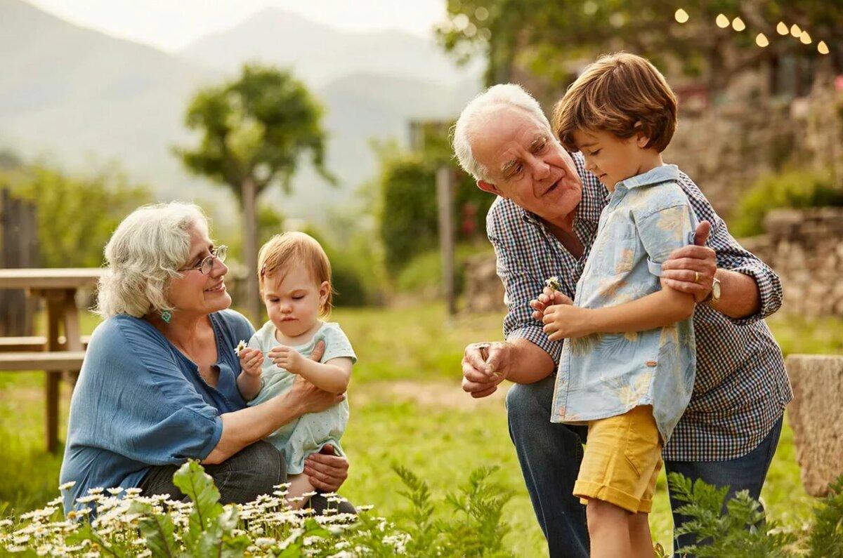 5 ошибок в воспитании внуков, которые часто совершают бабушки и дедушки