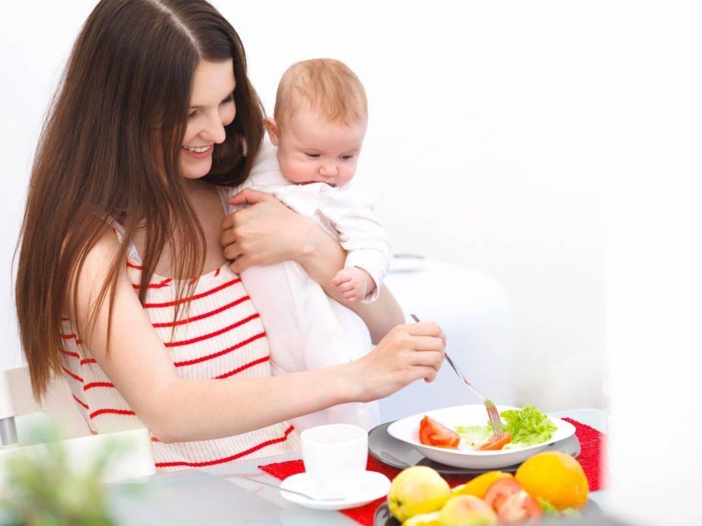 Шоколад при грудном вскармливании: можно ли есть кормящей маме в первый и последующие месяцы, особенности употребления при лактации