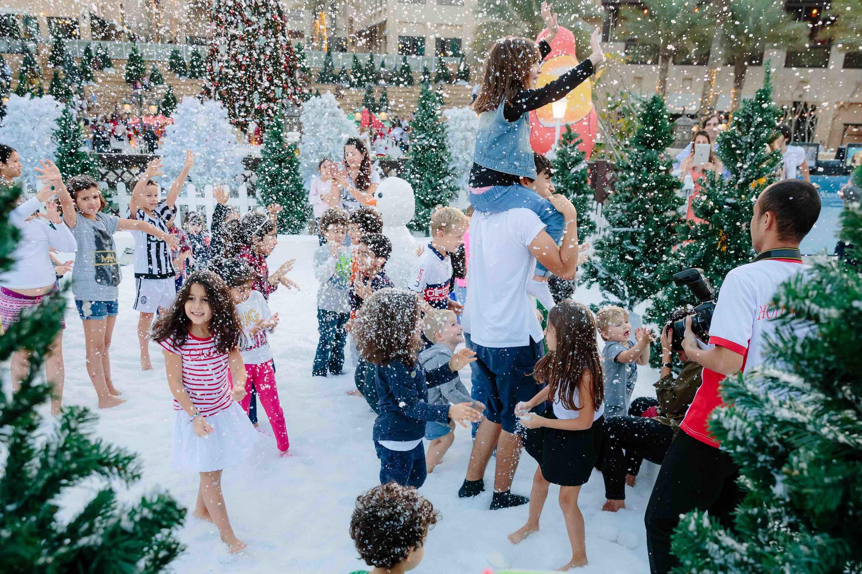 Новогодний праздник для детей (организация и проведение)