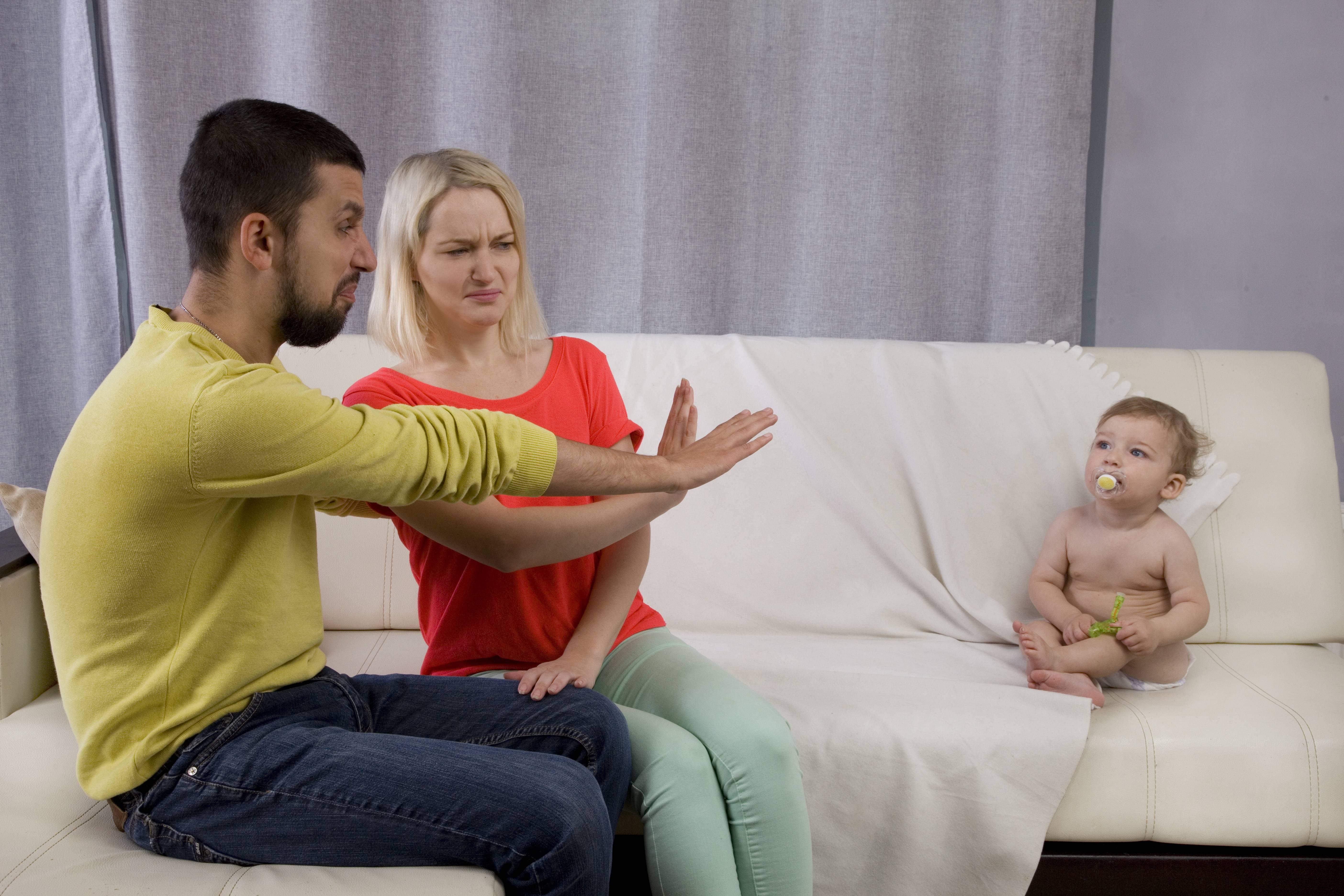 Как отказаться от отцовства: возможен ли добровольный отказ, другие случаи
