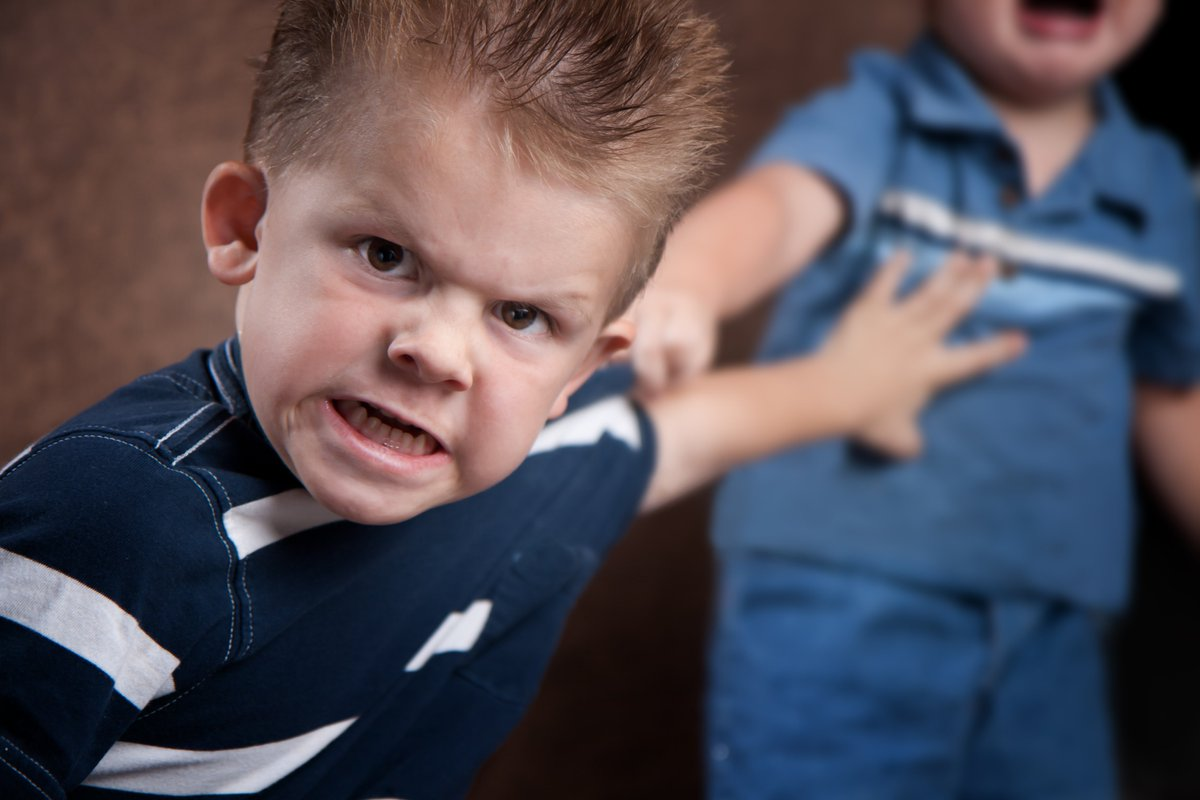 Что делать, если ребенок попал в плохую компанию: признаки, причины, отзывы, рекомендации психолога о том, как уберечь подростка от плохой компании