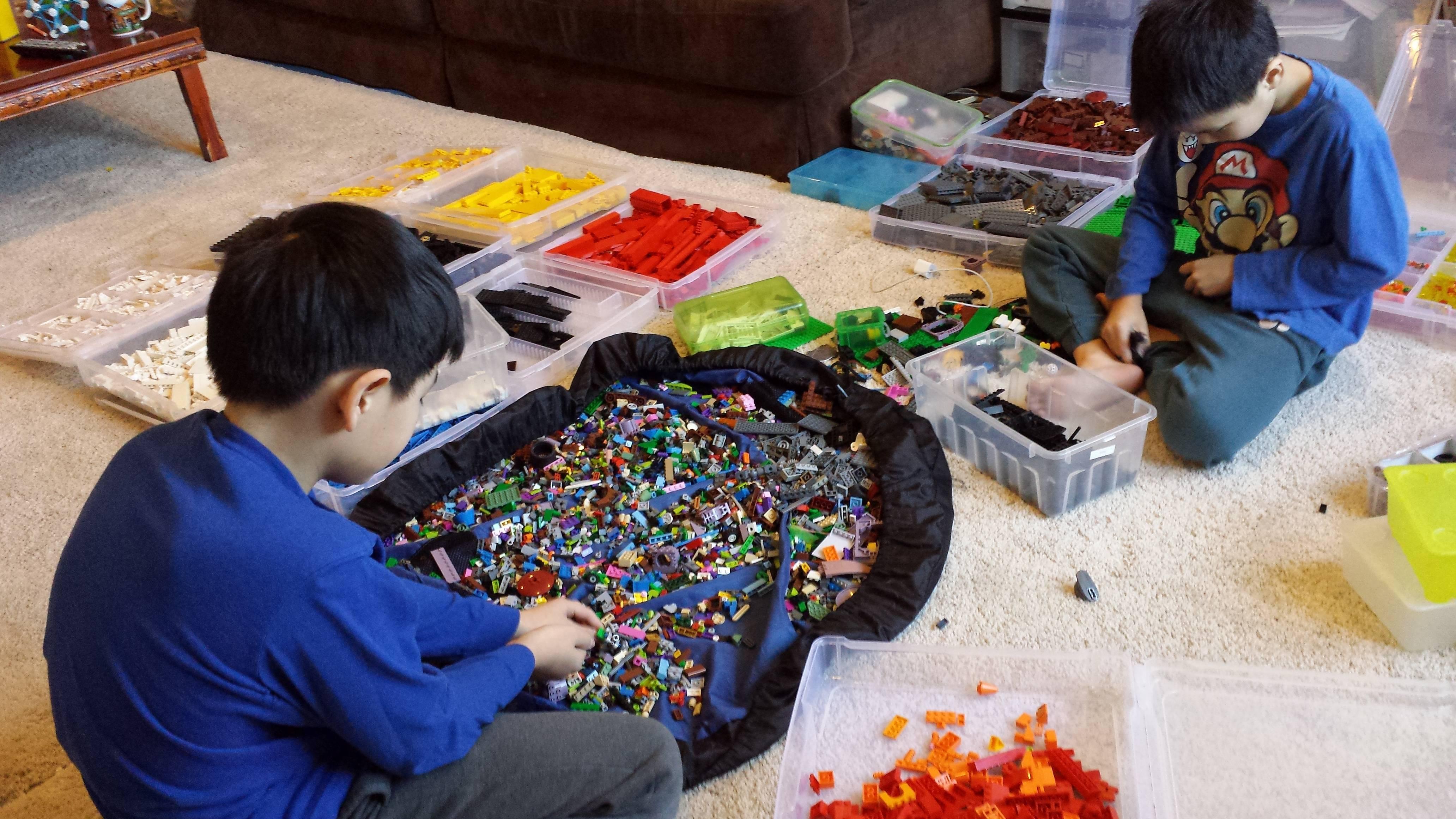 Разбираем все наборы лего. хранение lego