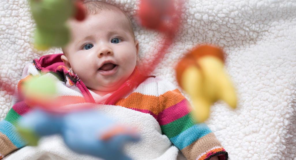Когда дети начинают понимать, что им говорят? в каком возрасте дети начинают говорить?