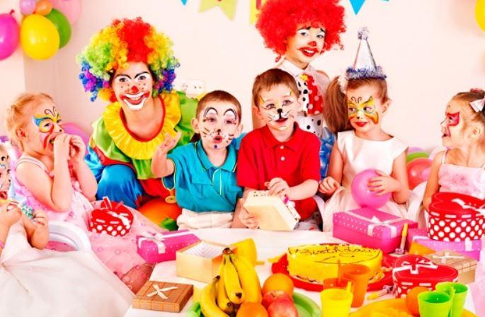 Игры на знакомство и активизацию детей. игры за столом.