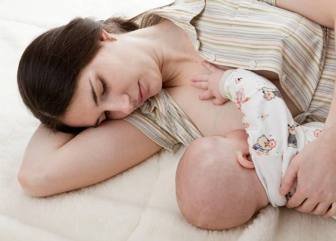 Что делать, если кормящая женщина застудила грудь: симптомы и лечение проблемы