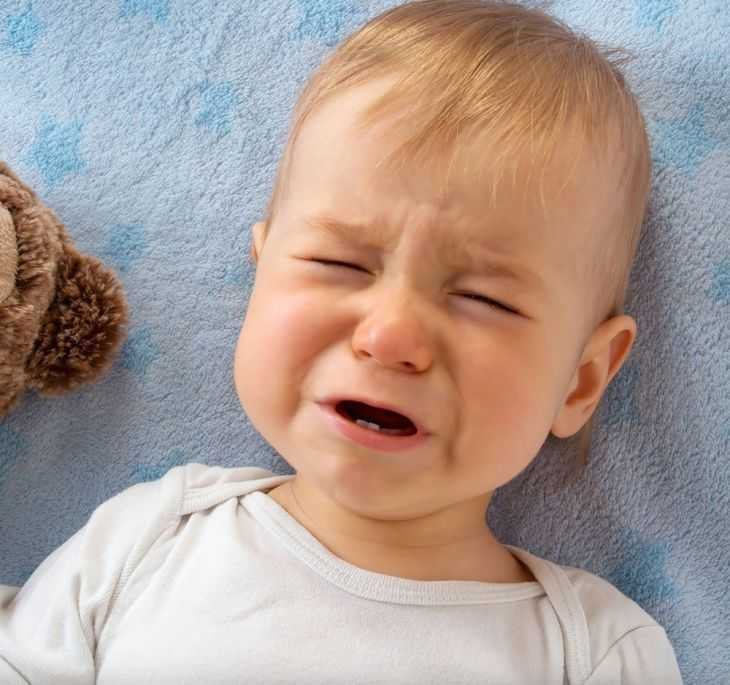 Сухой кашель у грудных детей, его разновидности и способы лечения