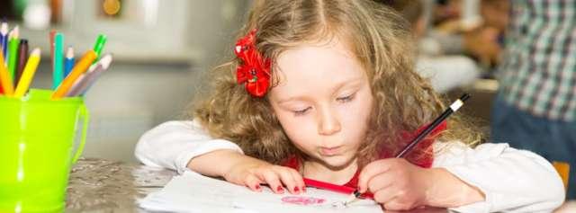 Ребенок-левша – это патология или норма, нужно ли с этим что-то делать