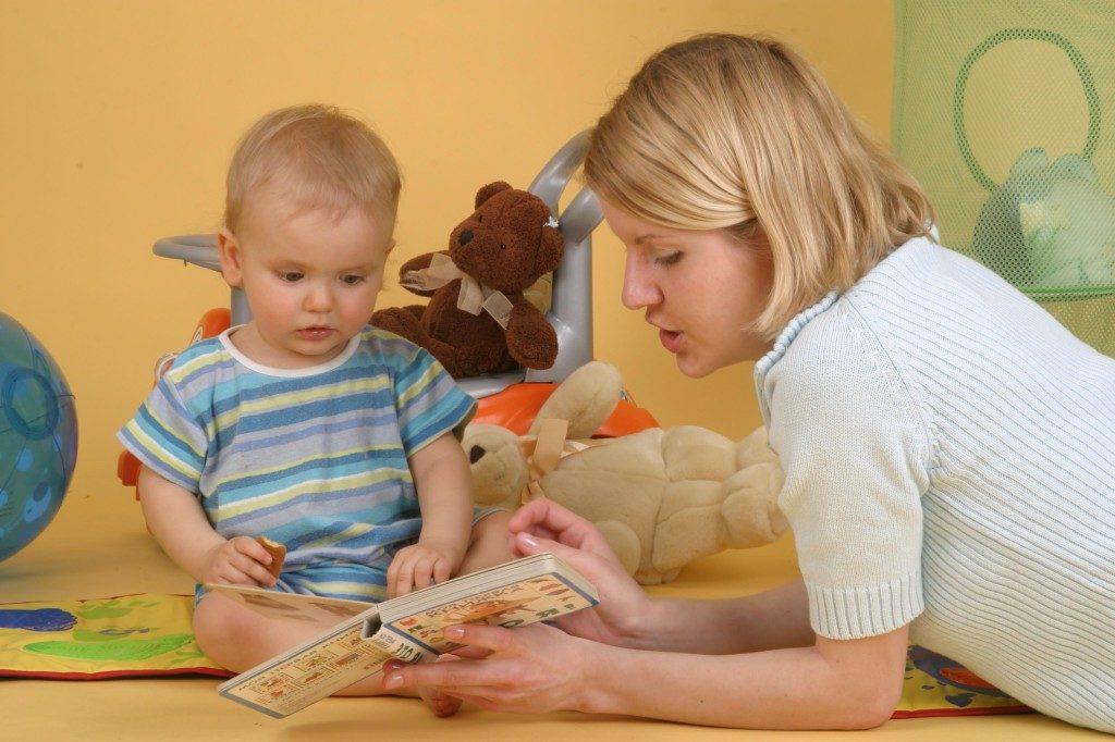 """Как научить ребенка говорить """"мама"""": игры и методики для развития речи детей в 1 год и до 2 лет"""