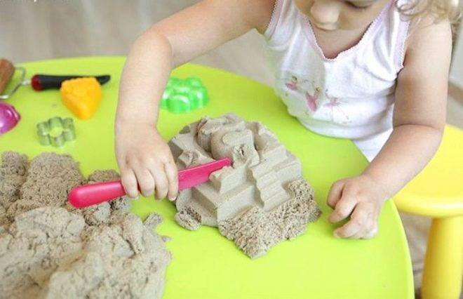 Чем отличается кинетический, космический, живой песок и что лучше?