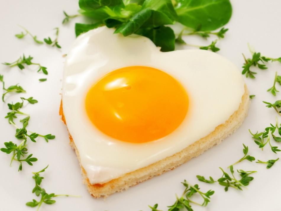 Омлет и яичница при грудном вскармливании