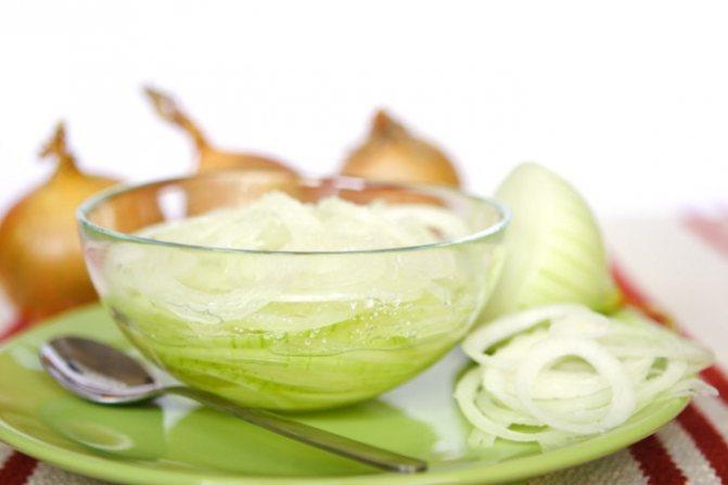 Облегчить кашель и ускорить выздоровление поможет лук с сахаром — эффективное народное средство