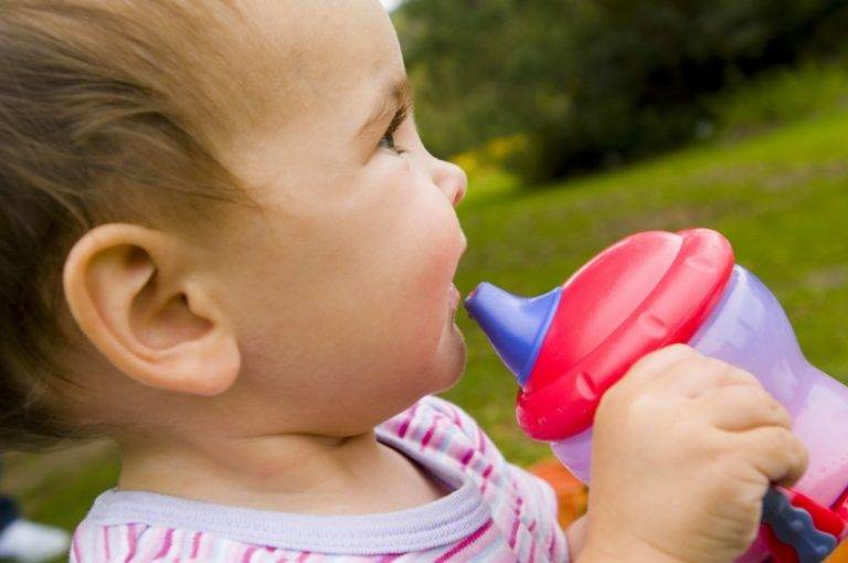 Как отучить ребенка в 2 года от бутылочки | отказ от бутылочки