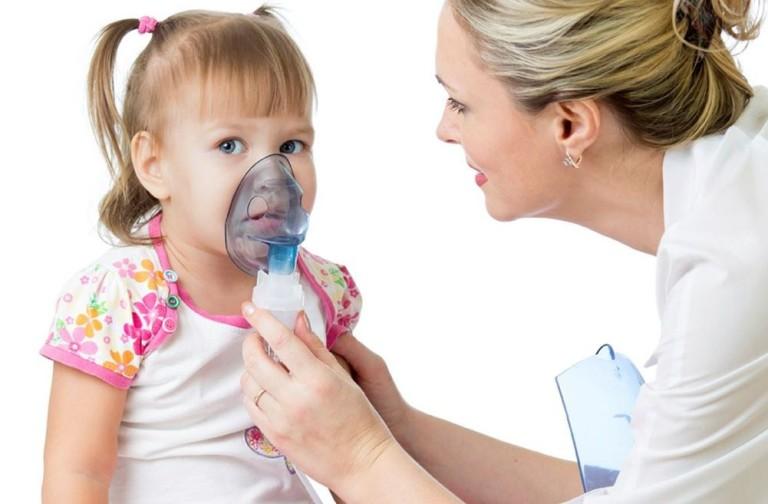 Как облегчить ребенку дыхание при лающем кашле